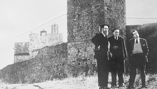 Cela, junto a Josep Pla y Néstor Lujan