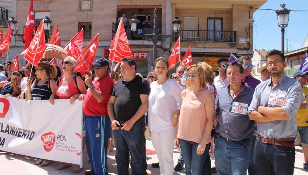 Representantes socialistas, en la manifestación de este sábado