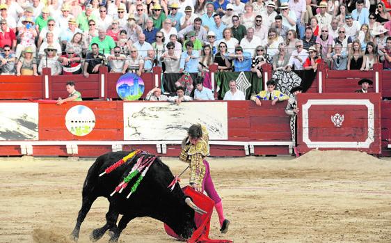 La fiesta de los toros llena plazas en verano