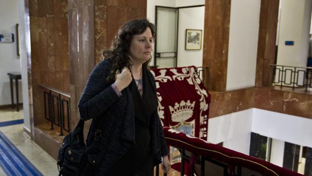 «No es justo ni vamos a consentir que alguien cobre por no venir a trabajar», sentenció ayer la alcaldesa Gema Igual (PP)