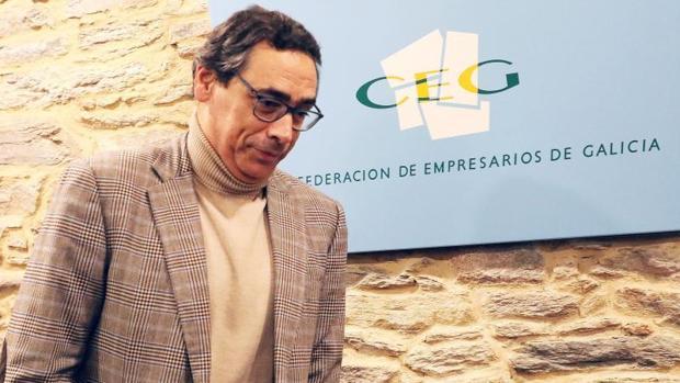 El expresidente de la CEG, Antón Arias, momentos antes de anunciar su dimisión