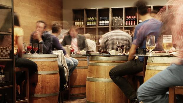 El bar de Salamanca se ha visto obigado a retirar esa normativa