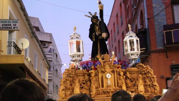 Este año se ha podido ver el nuevo final del tallado del paso del Señor, una pieza barroca