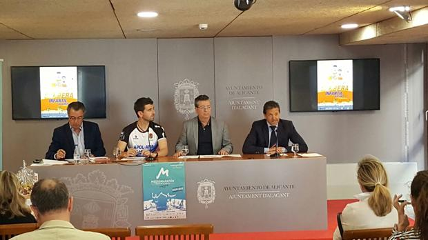 Presentación de la iniciativa solidaria compartida por Aguas de Alicante y la Asociación Síndrome de Down
