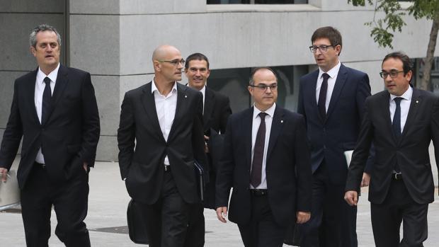 Los exconsejeros de la Generalitat entrando a declarar a la Audiencia Nacional