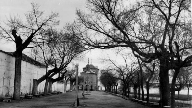 Paseo y Ermita del Cristo de la localidad de Madridejos, municipio donde residían Leocadia Moreno Cid y su agresor (Foto, Diputación Provincial de Toledo)