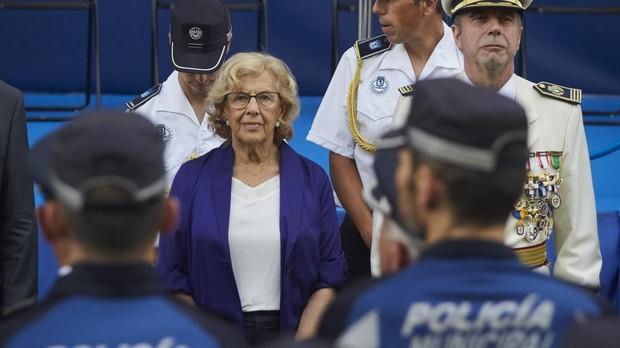 Manuela Carmena durante el último patrón de la Policía Municipal