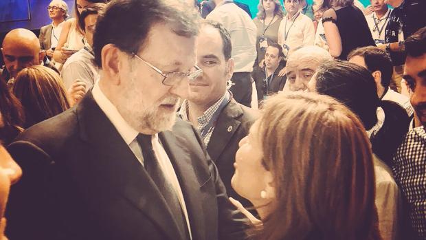 Mariano Rajoy e Isabel Bonig, este viernes en el congreso del PP
