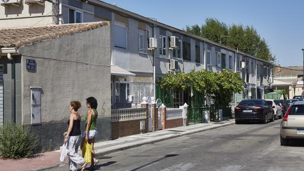 Calle del Párroco Don Luis, una de las más problemáticas del barrio de Perales del Río