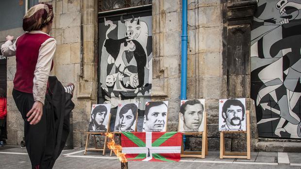 Homenaje abertzale por los sucesos de Vitoria de marzo del 76