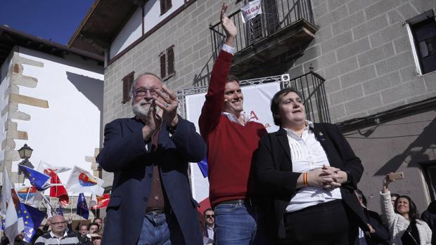 Rivera, Savater y la víctima de ETA Beatriz Sánchez Seco