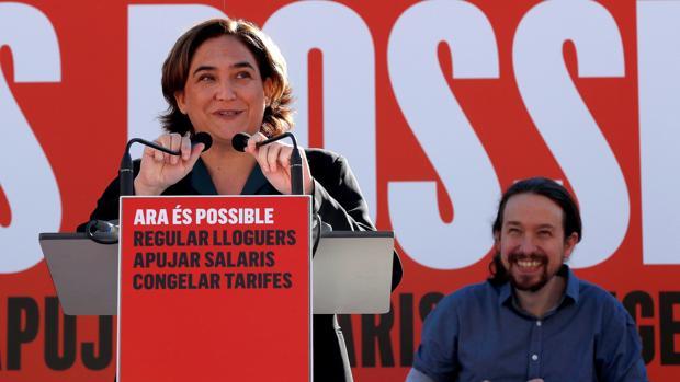 Colau, este domingo, durante su intervención junto a Pablo Iglesias