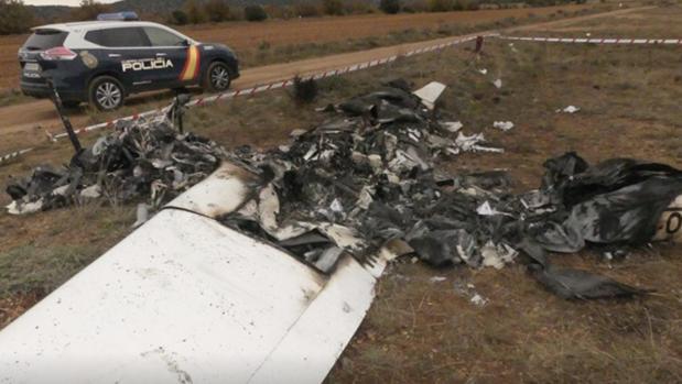 Restos de la avioneta que ha aparecido sin rastro de sus ocupantes