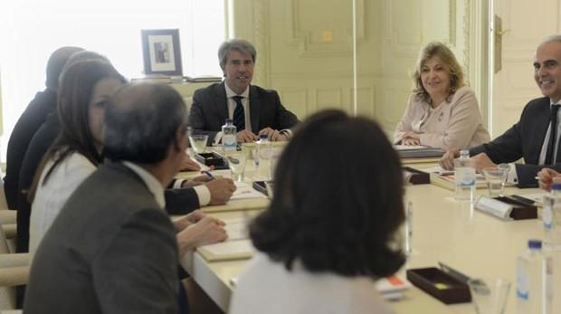 Ángel Garrido y Engracia Hidalgo, en la reunión de Consejo de Gobierno