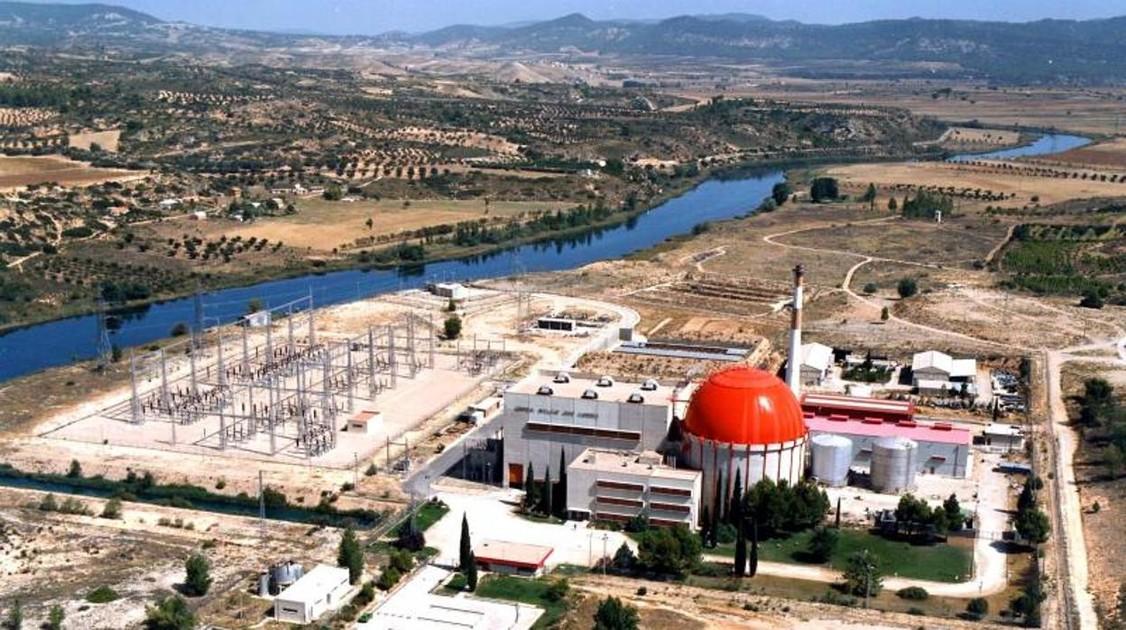 La central nuclear de Zorita cumple 50 años en pleno desmontaje