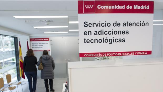 El Servicio regional de Atención a adicciones a nuevas tecnologías, como móviles o videojuegos, es pionero en España