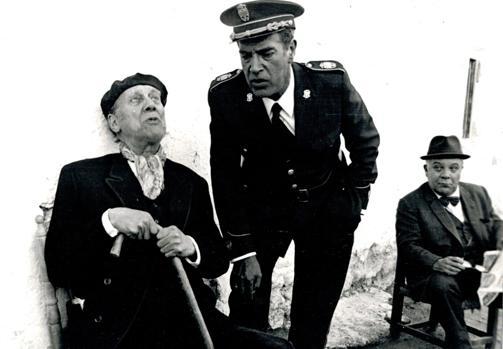 Una imagen de la serie de televisión Plinio, basada en las novelas de García Pavón