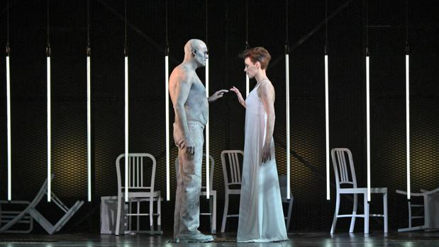 El barítono José Antonio López y la mezzosoprano Allison Cook, en un ensayo de la obra