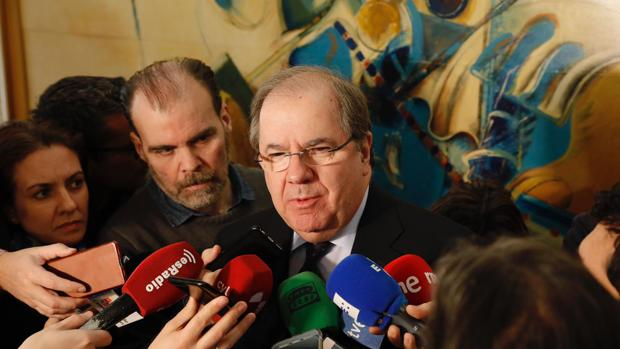 El presidente de la Junta, Juan Vicente Herrera, este viernes en las Cortes