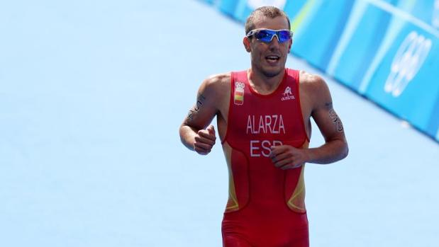 Fernando Alarza, entrando en meta en los Juegos Olímpicos de Rio de Janeiro 2016, en los que finalizó en el puesto 18