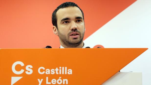 El secretario de Comunicación de Cs, Pablo Yáñez, fue el primero en dimitir tras el resultado