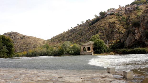 El río Tajo, a su paso por la ciudad de Toledo