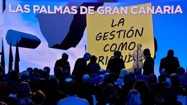 Salud Gil en una convención del PP