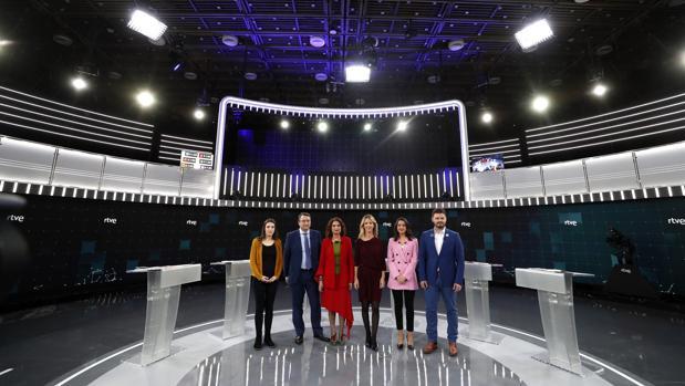Debate celebrado ayer en RTVE con representantes de los seis partidos con grupo parlamentario propio en el Congreso