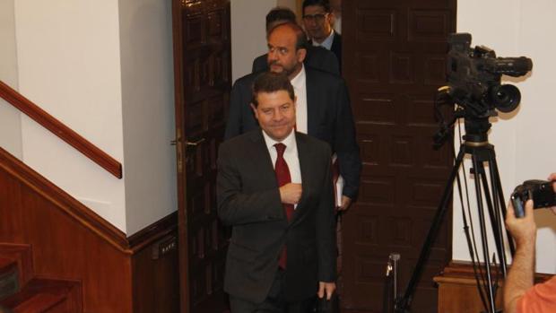 Emiliano García-Page, en 2015, durante su toma de posesión en las Cortes de Castilla-La Mancha