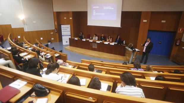 Simposio internacional sobre nanomedicina celebrado en Santiago este lunes