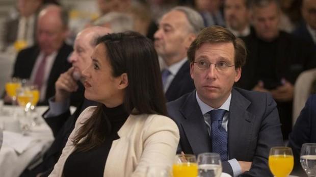 Villacís junto a Almeida, el pasado mes de enero, en el Foro Nueva Economía