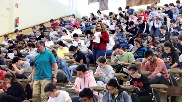 Examen EBAU en la facultad de Económicas de Santiago de Compostela
