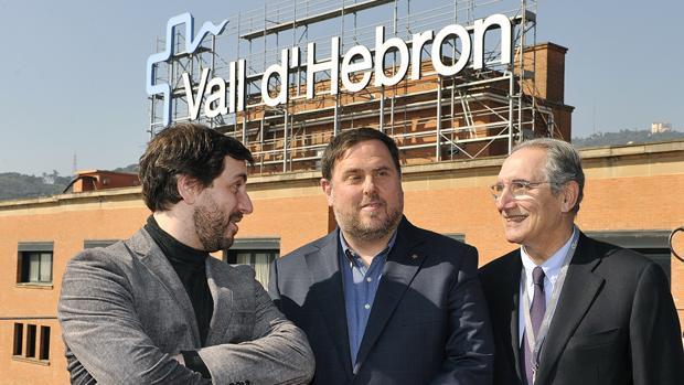 Comín, Junqueras y Martínez en el hospital de la Vall d'Hebron