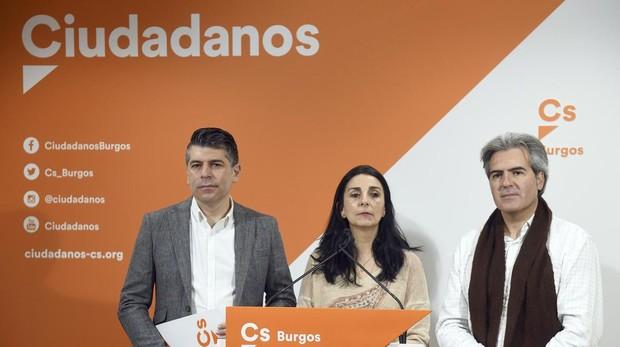 Vicente Marañón, el candidato de Burgos, con otra concejala del grupo en la pasada legislatura