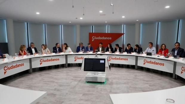 La reunión de Comité Ejecutivo de Cs, celebrado ayer en la sede del partido, presidido por Rivera.