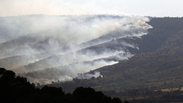Imagen del incendio de Beneixama que ha sido controlado este miércoles
