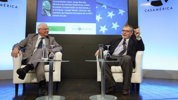 Borrell y Weiler, en la charla de ayer en Casamérica