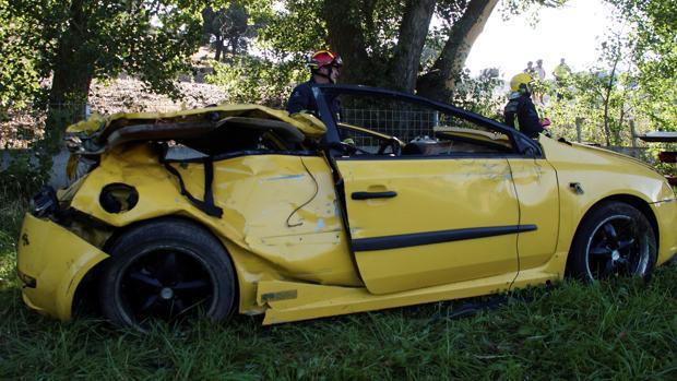 El coche siniestrado el domingo en Galisancho (Salamanca)