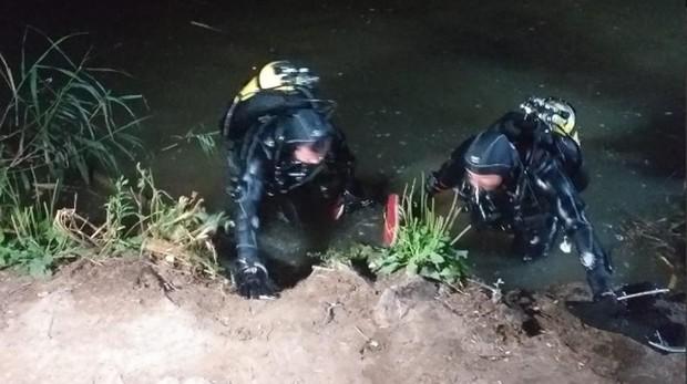 El GEO de la Policía Nacional trabaja en el Henares para rescatar el cuerpo del hombre
