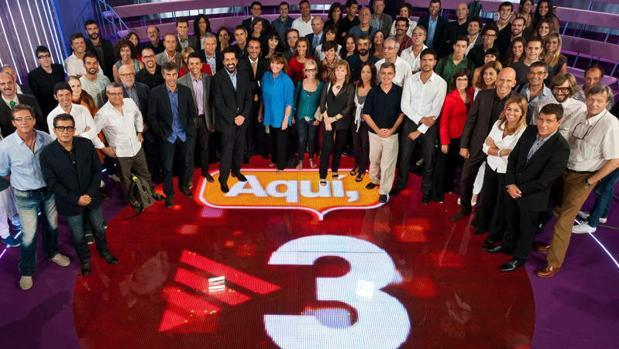 Trabajadores y presentadores de TV3 en una imagen de archivo