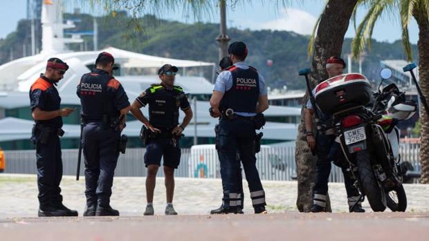 Imagen de la Policía, los Mossos d'Esquadra y la Guardia Urbana en Barcelona