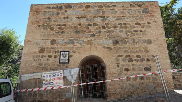 Las obras para la recuperación de la Torre del Hierro ya han comenzado