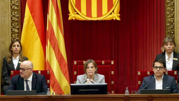 La expresidenta del Parlamento catalán Carme Forcadell, en el pleno del 6 y 7 de septiembre de 2017