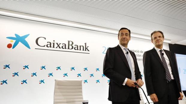 Gonzalo Gortázar, consejero delegado, y Jordi Gual, presidente de CaixaBank