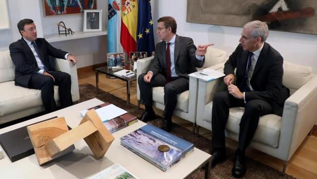 Formoso, Feijóo y el conselleiro de Economía, Francisco Conde, durante la reunión