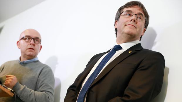 La UDEF registra la casa del abogado de Puigdemont en una operación contra el blanqueo