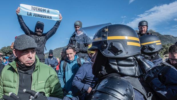 El último sabotaje independentista: bloquear la frontera francesa