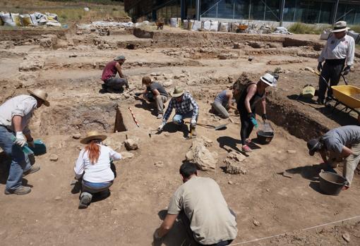 Trabajos arqueológicos en el yacimiento de la villa romana de Noheda (Cuenca)