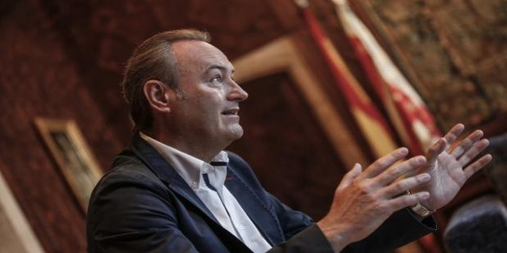 Coronavirus: el expresidente valenciano Alberto Fabra sale de la UCI