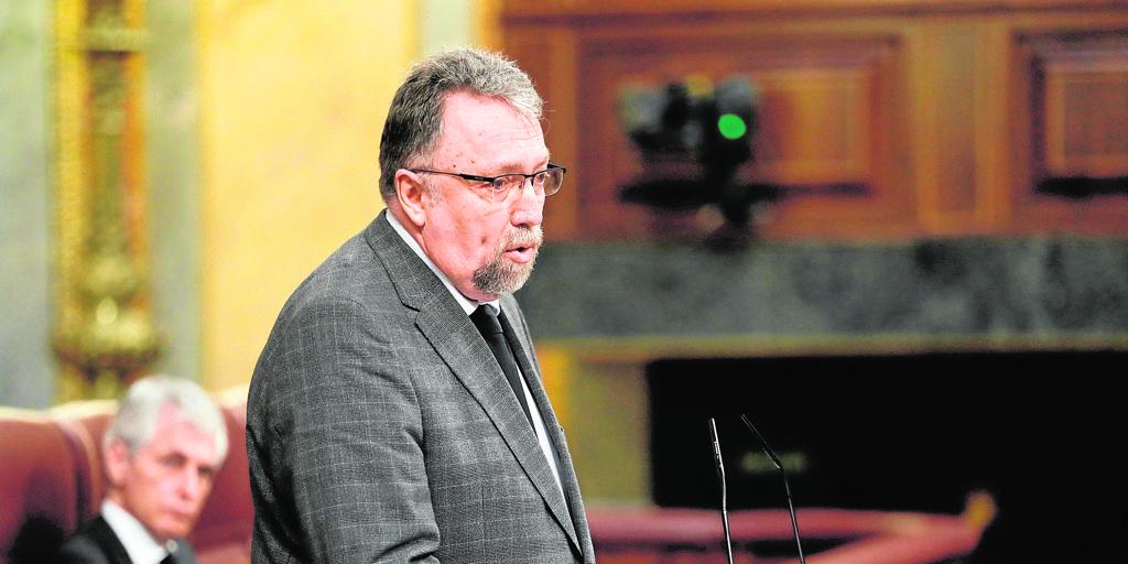 El diputado de Foro dice que la supuesta sede de Madrid se usó de forma «confidencial»